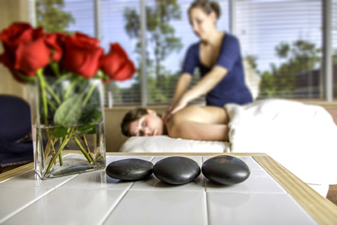 massage therapies with stones