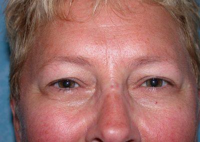 PM-eyeliner-IP-close